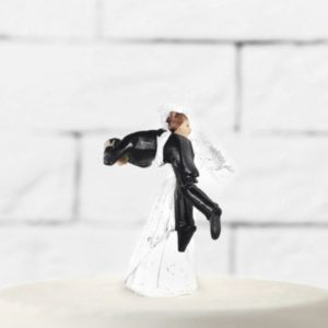 "Cake Topper "" The Groom Carried By The Bride"" (9cm)"