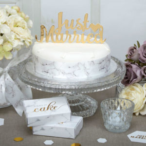 "Cake Topper Gold with Heart ""Just Married"""
