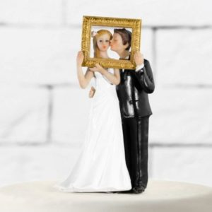 "Wedding Cake Topper ""Bride & Groom in A Gold Frame"" (14,5cm)"